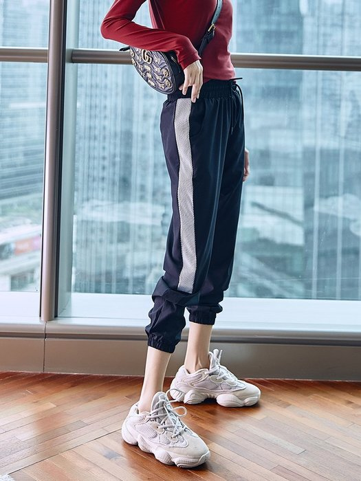 愛運動~健身運動休閒長褲/寬鬆網眼拼接反光條設計排汗速乾收口束腳/慢跑健身訓練打球運動褲 R2379