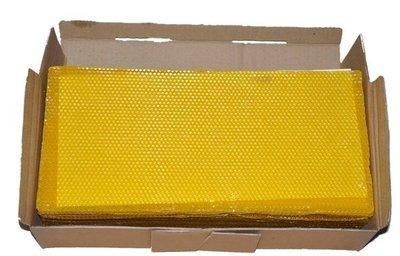 養蜂工具 優質中蜂巢礎/野蜂房巢礎 不墜脾 耐高溫 蜜蜂接受快  41.5cm*19.5cm一盒35片=980元