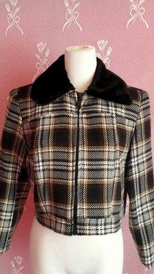 【水漾佳衣】 長袖毛領格紋短版毛料外套