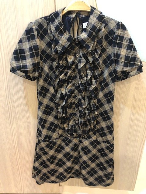 小花別針、專櫃品牌【h2o】格子短袖洋裝