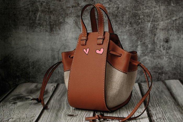 海外原單西班牙王室御用品牌原版牛皮Hammock Bag手提包吊床包 mini版