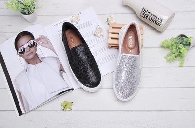 富發牌。女鞋。1BE63 細緻白璀璨黑厚底懶人鞋 厚底休閒鞋  (白/黑) (23-25號)~nanakids娜娜童櫥