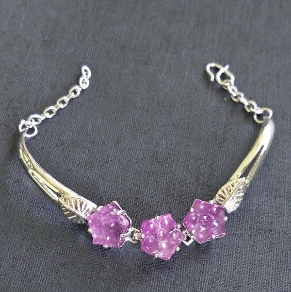☆采鑫天然寶石☆** 卉紫**  特選天然紫水晶雕刻造型純銀手鍊~獨特珍藏