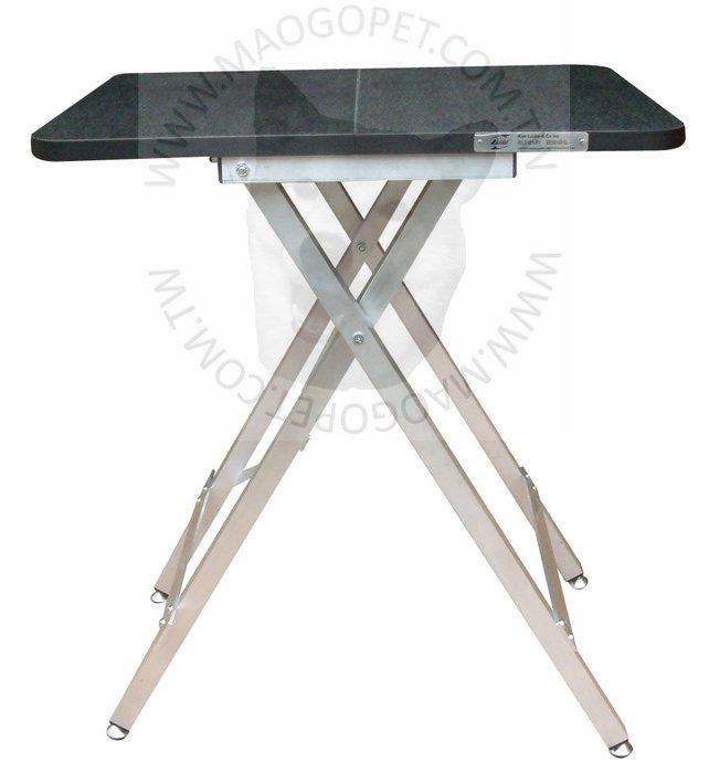 Kim Laube 摺收便攜式寵物美容桌 旅行犬貓美容工作桌 剪毛台 S號《60X46X70公分》每張3,900元