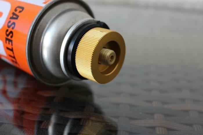 一般瓦斯 轉 高山瓦斯 轉接頭爐頭轉換頭金色圓形轉換頭長氣罐接口爐頭轉扁氣罐接口AT6347