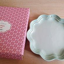 Le Creuset 瓷器蕾絲花邊盤 18cm 冰川綠 全新 現貨