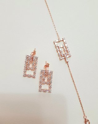 限時95折-folli follie 耳環(方形/銀飾)日本專櫃帶回全新正品(單售耳環,手鍊另有賣場)