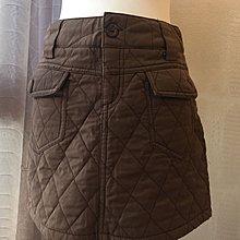 《寶兒花園》咖啡色雙口袋仿棉襖織紋鋪棉菱格短裙