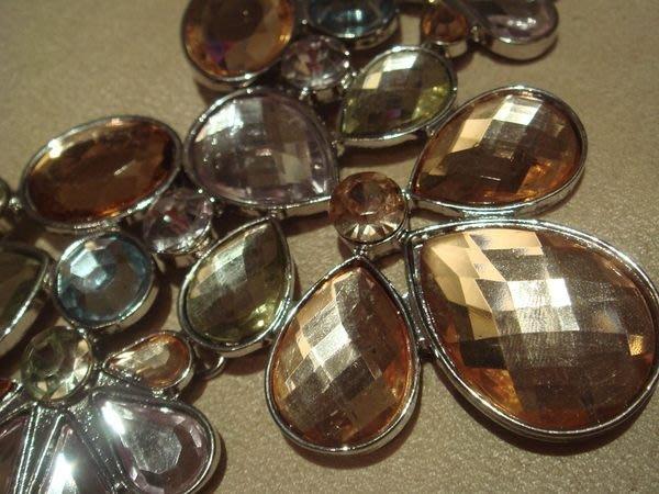 大降價!美國帶回,全新 MONET 莫內 彩鑽寶石花朵造型項鍊 ,低價起標無底價!本商品免運費!