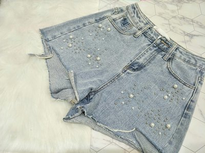 韓國代購 現貨 正韓女裝 顯瘦珍珠釘珠破洞高腰牛仔短褲 S/M/L