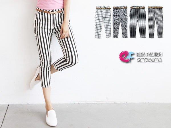 七分褲 艾爾莎 顯瘦附腰帶黑白印圖方格條紋七分窄管休閒褲【TAS9079】