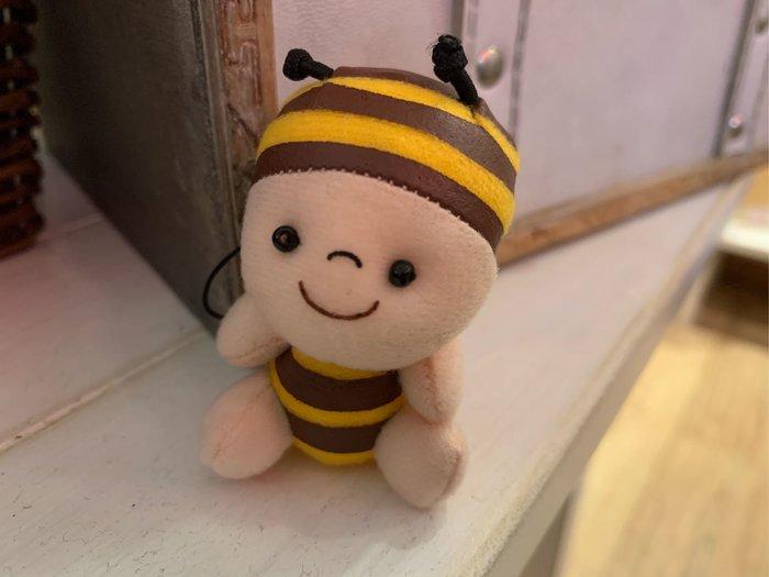 *黑頭小羊雜貨小舖*日本帶回zakka~長坂養蜂場吉祥物小蜜蜂玩偶吊飾/小蜜蜂迷你玩偶(黃色)