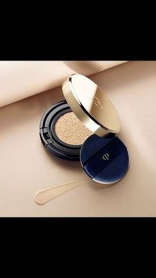 Cle de Peau cushion