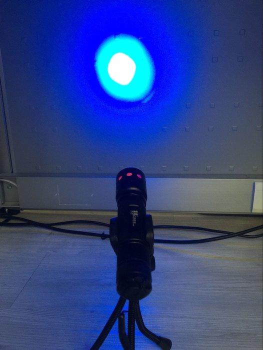 正海馬 魚眼可變焦 正美國CREE藍光燈珠 (釣魚燈台製保護版全配)夜釣燈/聚魚燈18650鋰電雙用版 送支架