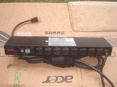 【電腦零件補給站】APC AP7900 Switched Rack PDU 1U, 15A, 100/120V, (8)