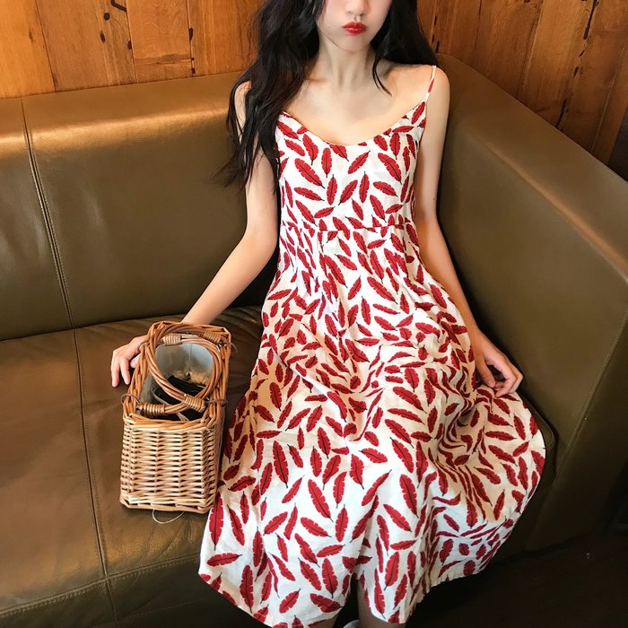 韩风气质印花连衣裙V领吊带中长裙size裙长105 胸围90 后面橡筋 腰围84