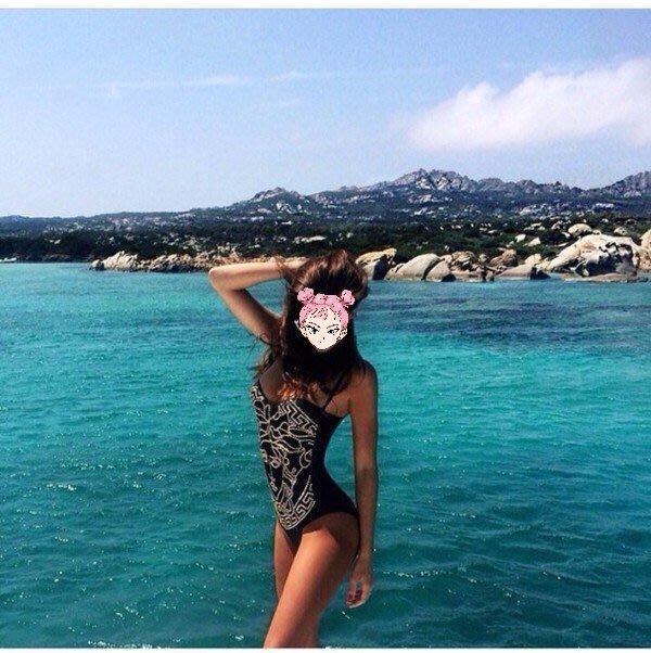 Versace 梅杜莎頭 黃色連身泳衣         黑色已售出