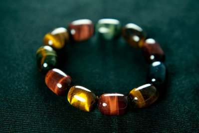 □§Disk的天然水晶§□【三色黃紅藍虎眼石桶形珠手珠-2】能激發勇氣 增強信心 有旺盛的生命力