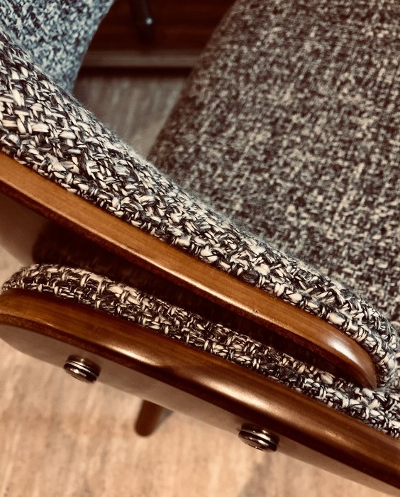[ 椅子王 ]---丹尼爾 實木餐椅