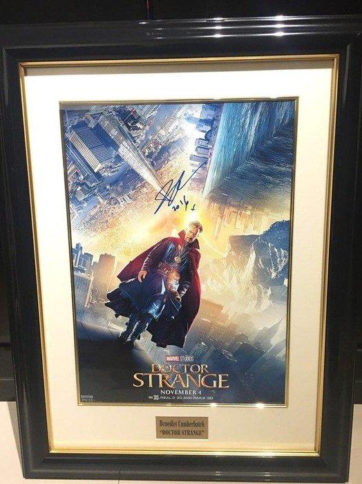 真品 環球影城購回 古一 奇異博士 Benedict Cumberbatch 班尼迪克 福爾摩斯 親筆簽名 海報 表框