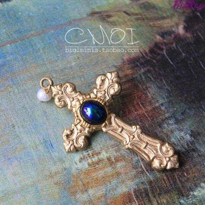 精緻life 美國進口 雕花黃銅十字架寶石吊墜胸針 進口復古飾品禮物