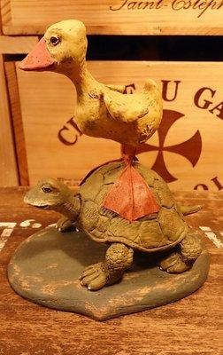 american chestnut folk 站在烏龜背上的小鴨 : 雕塑 精品 擺飾 雪人 烏龜 鴨 裝飾 居家 收藏