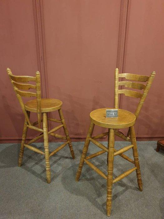 【卡卡頌 歐洲跳蚤市場/歐洲古董】英國老件  橡木雕刻  紮實 高腳椅  吧台椅 ch0356