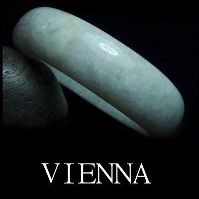 《A貨翡翠》【VIENNA】《手圍19.4/19mm版寬》緬甸玉/冰種古典蜜白嫩花/玉鐲/D*-031