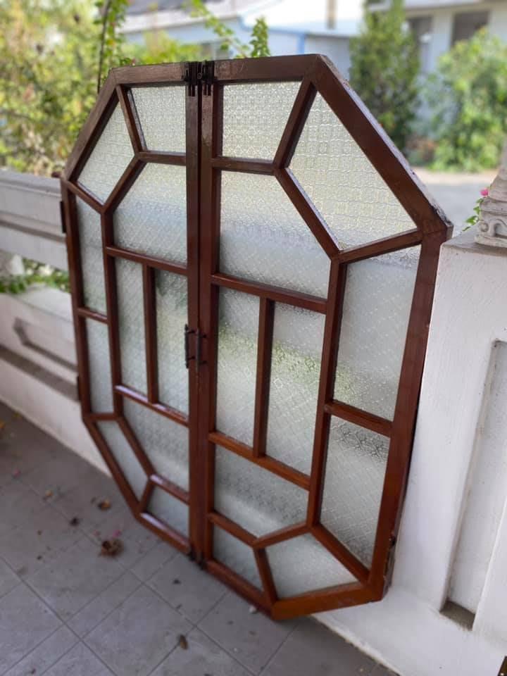 林衝浪私倉聊特殊體八角窗,對開窗戶。難得一見!