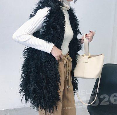 ++1026++韓國歐美 兔毛狐狸毛毛絨仿皮草 保暖厚度 合身寬鬆無袖罩衫馬甲 黑色灘羊毛披肩外套 中長版長毛毛背心