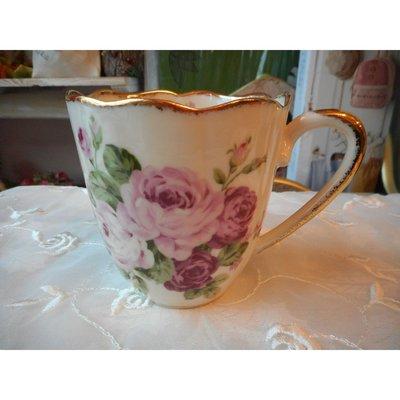 ~~凡爾賽生活精品~~全新日本進口雙色玫瑰花瓷器造型馬克杯~日本製