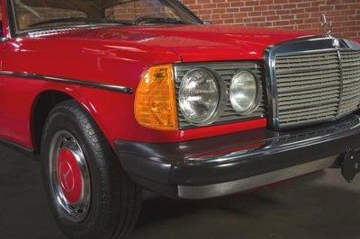 DJD19051202 BENZ 200E W123 整車進口預定 依當月報價為準