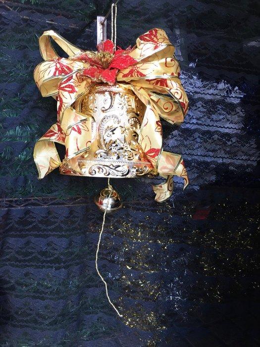 【洋洋小品8吋刻花許願鐘 聖誕鐘串】桃園平鎮中壢聖誕節聖誕帽聖誕服花圈樹藤聖誕燈聖誕樹聖誕紅聖誕大鐘串 聖誕花環