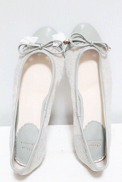 天使熊小鋪~時尚OL蝴蝶結高跟鞋 刺繡平底鞋 全新刺繡縷空包鞋~size39 僅此一雙原價4300