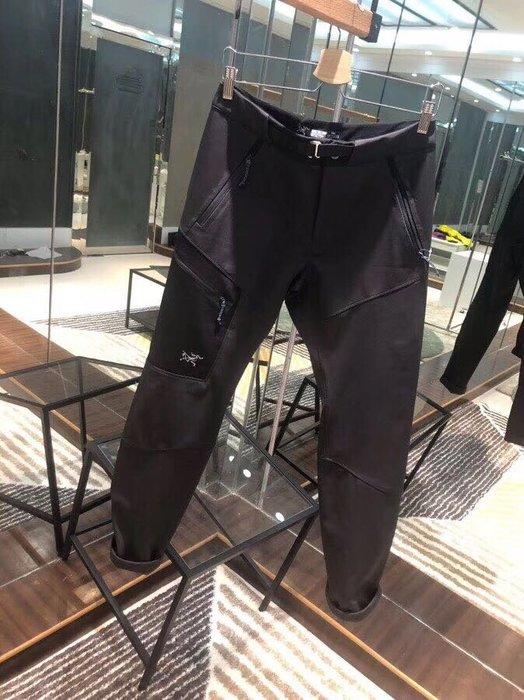 最後幾件 ARCTERYX始祖鳥 戶外工裝軟殼 衝峰褲 高強度防水抗風速乾褲 防劃痕L ,XL號 A13~3