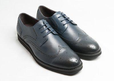 超值系列翼紋雕花休閒德比鞋:手工上色小...
