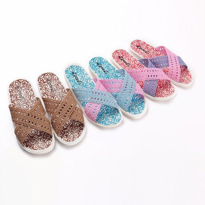 預售款-WYQJD-網格白底拖鞋女士夏季交叉帶家居用浴室戶外平底粉色塑料一字涼拖*優先推薦