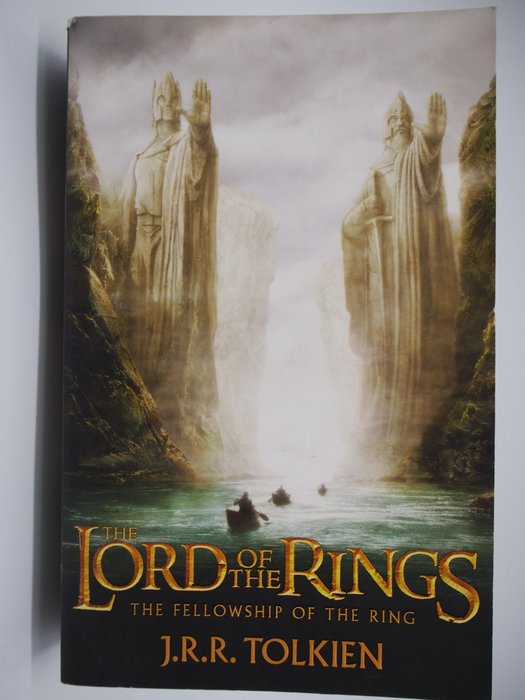 The Fellowship of the Ring-The Lord of the Rings_魔戒〖外文小說〗CHX