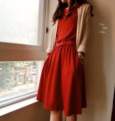 美麗大方的正紅色洋裝(附紅色腰帶)