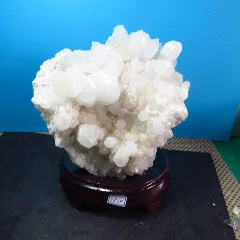 【競標網】漂亮巴西天然3A白水晶簇原礦2830克(贈座)(網路特價品、原價3700元)限量一件