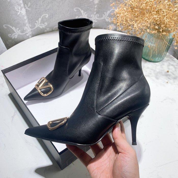 華家 2020秋冬新款黑色尖頭 高跟短靴 瘦瘦靴細跟百搭 金屬扣 側拉鏈 裸靴女