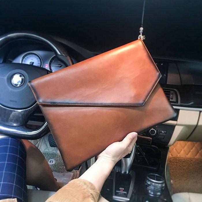 爆款熱賣-個性潮男復古信封包皮質街頭手拿包韓版手抓包iPad文件包潮流