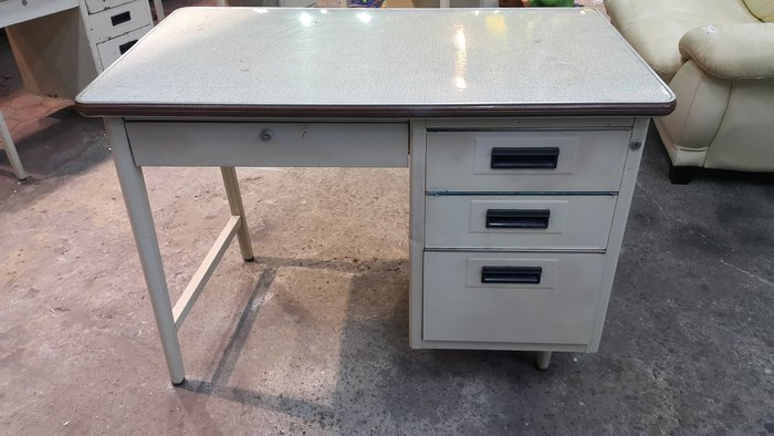樂居二手家具 全新中古傢俱賣場 E0428EJJ 四抽辦公鐵桌*四抽辦公鐵桌*辦公桌 工作桌 書桌 電腦桌 套房書桌 台