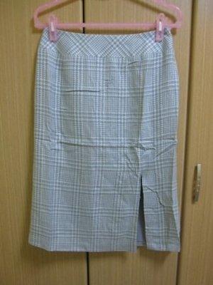全新真品 CORDIER 高雅漸層格紋羊毛裙.日本皇室愛用 .原價10,500。賠售