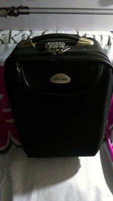 二手物品,16吋行李箱,拉桿有異常如圖 新北市