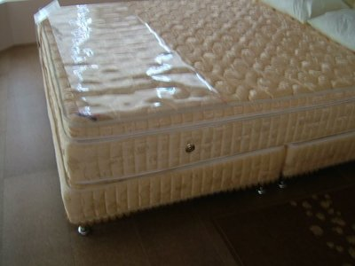 ※專業睡眠館※4線上墊5.5cm純天然乳膠護背雙層高蜂巢760型獨立筒床墊雙人5尺