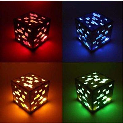 現貨~促銷~Minecraft紅石小夜燈礦石藍寶石鑽石方形小夜燈AA電池電源LED兒童玩具禮物照明~NES22222