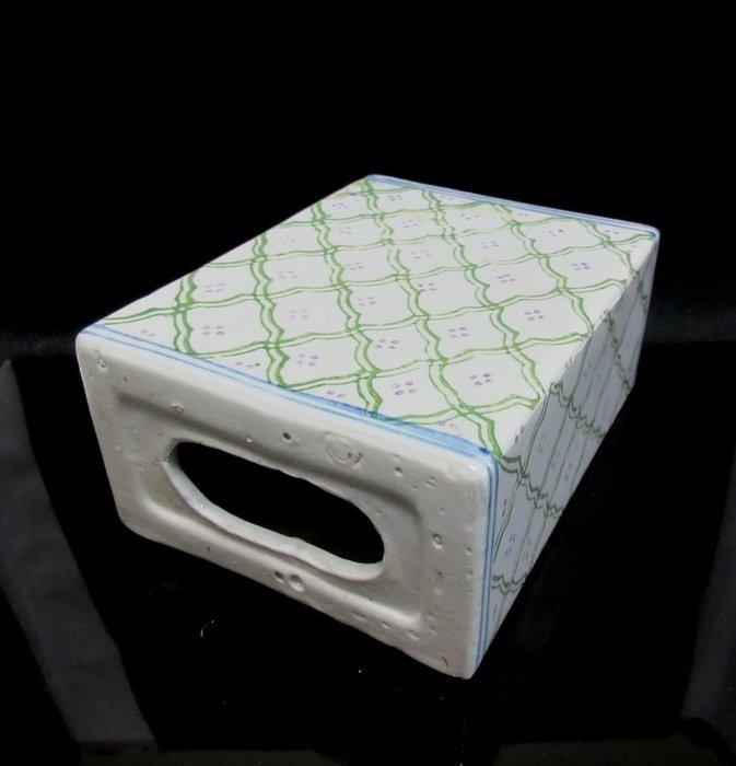 出賣家藏--民國瓷手枕、藥枕