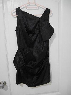 【夏出清】○。買樂屋°○ 專櫃 iRoo 黑色造型長版無袖上衣 F號