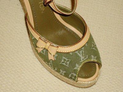 ☆貴族時尚精品☆『LV - 限量綠色船型鞋 35.5號』